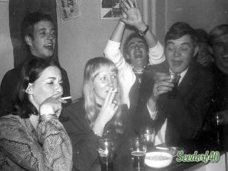 Oudejaarsavond 1970 in de bar
